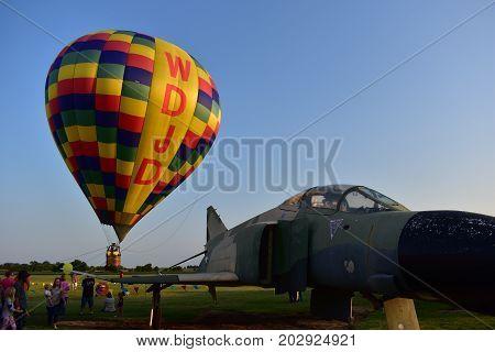 Lincoln, Illinois - Usa - August 25, 2017: Tethered Balloon Ride
