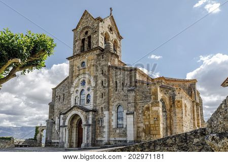 Parochial church of San Vicente Martir and San Sebastian. It has a strange mix of styles in which stands the Baroque is located in the town of Frias Burgos.