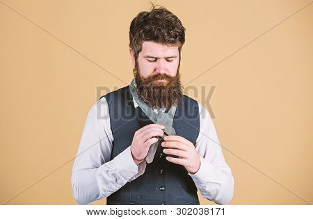 Man Bearded Hipster Try To Make Knot. Different Ways Of Tying Necktie Knots. Art Of Manliness. How T
