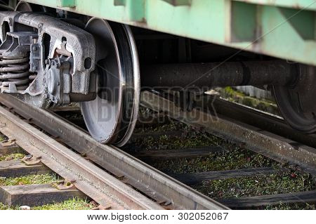 Dual Gauge Tracks Example That Allows The Passage Of Trains Of Two Different Track Gauges Narrow-gau