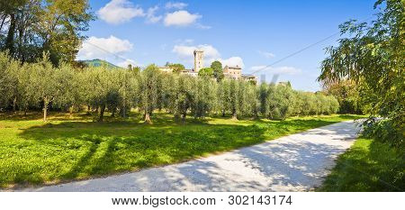 Panoramic Photo Of The Famous Medieval Citadel Of Vicopisano (italy - Tuscany - Pisa). The Citadel O