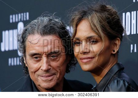 LOS ANGELES - MAY 15:  Ian McShane, Halle Berry at the