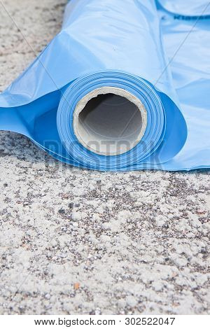 Polyethylene Protection Vapour Barrier To Restrict The Passage Of Vapour From The Hot Part Of The St