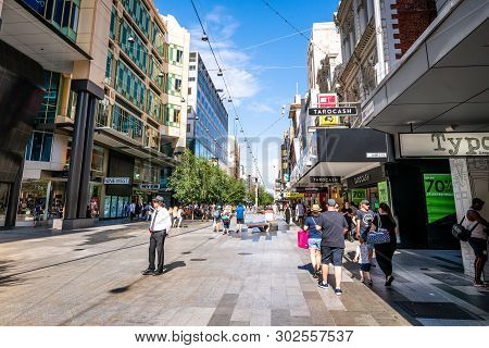 30 December 2018, Adelaide Sa Australia : View Of Rundle Mall Pedestrian Shopping Street With People