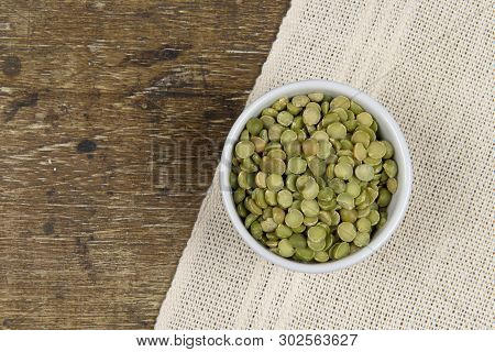 Dried Green Pea In Half