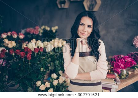 Close Up Photo Beautiful Adorable Amazing She Her Lady Many Roses Vases Retail Seller Assistant Empl