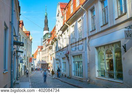 Tallinn, Estonia - July 14, 2019: People Walking By The Street At Old Town Of Tallinn.