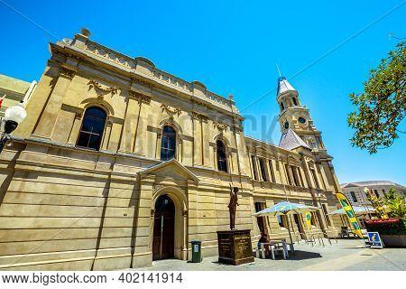 Fremantle, Western Australia, Australia - Jan 2, 2018: Side View Of Fremantle Town Hall On Corner Of