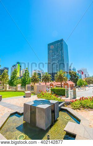 Perth, Western Australia, Australia - Jan 3, 2018: Fountain, Gardens And Luxury Hotel In Cbd, Centra