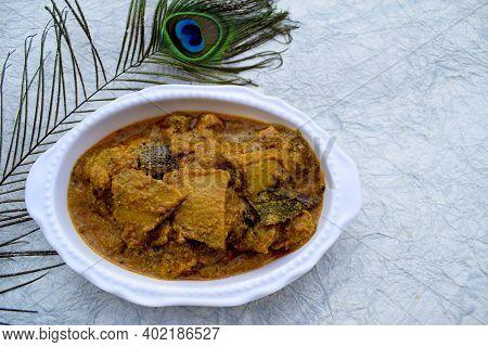 Suran Ki Sabzi Or Jimikand Masala Curry Closeup. Delicious Exotic Gravy Curry Made Of Sliced Cut Pie