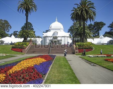 San Francisco, Usa - July 13, 2006: Domes Of Conservatory Of Flowers, A Botanical Garden In Golden G