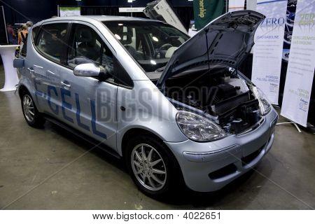 Alt Car Expo F-Cell