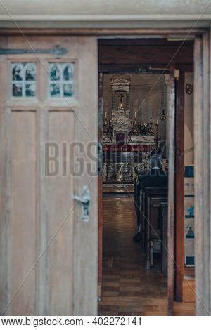 Rye, Uk - October 10, 2020: View Through The Door Frame Of Altar Inside St Anthony Of Padua Church,