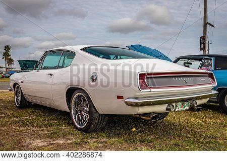 Daytona Beach, Fl - November 29, 2020: 1969 Plymouth Barracuda Hemi At A Local Car Show.
