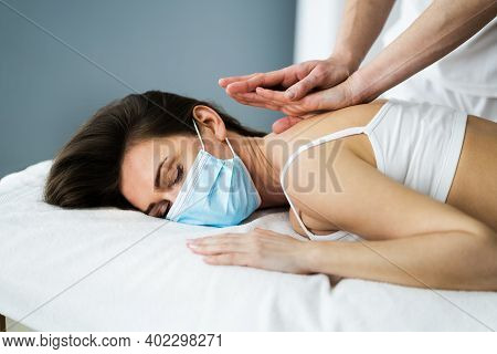 Chiropractic Reflexology Spa Therapy Massage In Face Mask