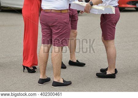 Wedding Witnesses And Friends In The Same Clothes