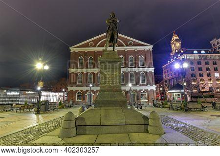 Boston, Ma - Nov 27, 2020: Statue Of Samuel Adams In Front Of Faneuil Hall, Boston, Massachusetts, U