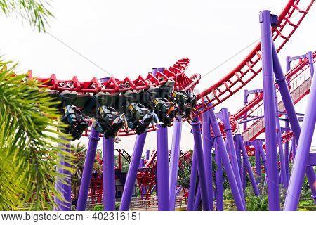 Bangkok Thailand - Nov 9, 2020: People Enjoy Thrilling Rides And Screaming With Joy. In The Amusemen