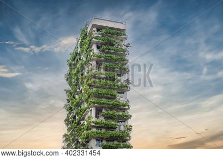 Eco Architecture. Green Cafe With Hydroponic Plants On The Facade. Ecology And Green Living In City,