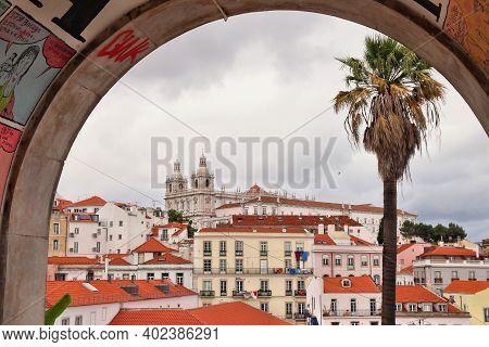Lisbon, Portugal - June 4, 2018: People Visit Rua Augusta Shopping Street In Lisbon. Lisbon Is The 1