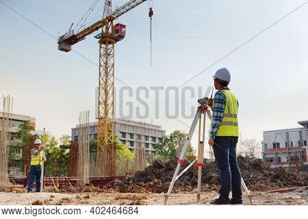 Surveyor Equipment. Surveyor\'s Telescope At Construction Site Or Surveying For Making Contour Plans