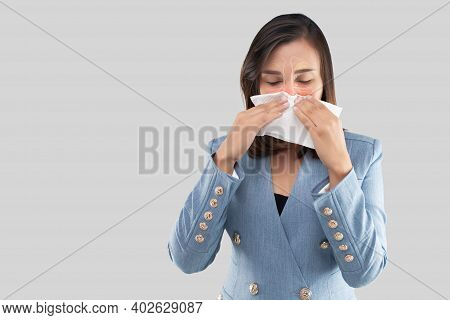 Illustration Of Nasal Cavity And Sinus On The Face Of A Woman Against A Gray Background And Space Le