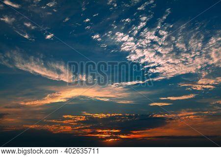 Fantastic Daybreak Heaven . Gloomy Sky In The Dusk