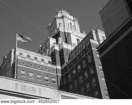 Philadelphia, Usa - June 11, 2019: Monochromatic Image Of The Museum Of The American Revolution In P