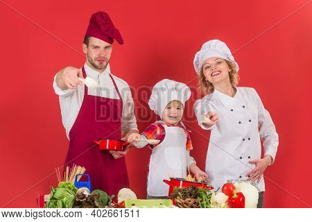 Family Cooking. Happy Family Cooking Together. Healthy Food At Home. Cooking In The Home. Kitchenwar