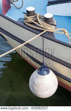 White Round Boat Fender For Motor Boat