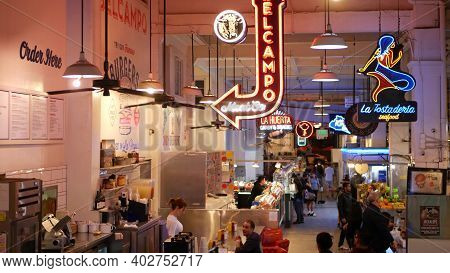 Los Angeles, California, Usa - 27 Oct 2019: Grand Central Market Street Lunch Shops With Diversity O