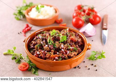 chili con carne- bean, beef and tomato