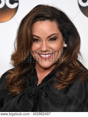 LOS ANGELES - AUG 06:  Katy Mixon arrives for  ABC Summer TCA Party 2017 on August 6, 2017 in Beverly Hills, CA