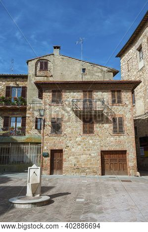 Residential House In Historical Village Pienza, Tuscany, Italy