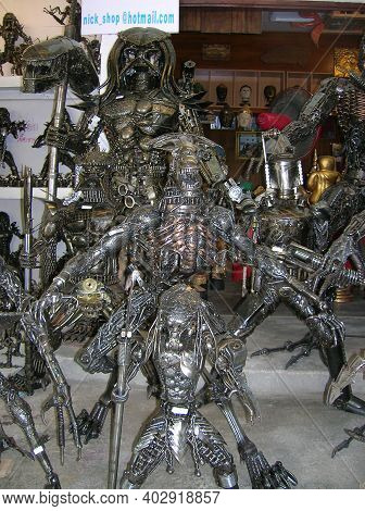Koh Samui, Thailand - June 23, 2008: A Thai Street Market Store Or Shop Of Creative Handmade Art Scu