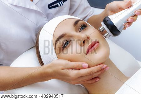 Machine For Smoothing Wrinkles. Non-injection Face Lifting. Rf-face Lifting Close-up.