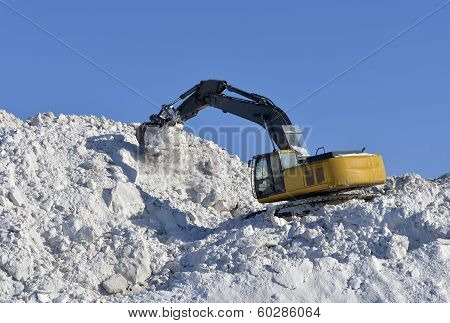 Stacking Snow Excavator