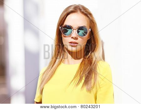 Fashion Portrait Stylish Pretty Woman In Sunglasses Posing Outdoors In The City, Street Fashion