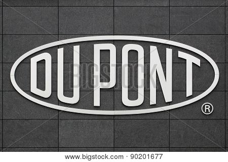 Logo of the brand Du Pont