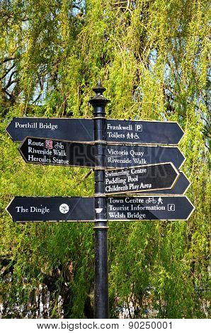 Tourist attraction signpost, Shrewsbury.