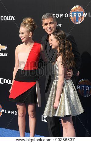 LOS ANGELES - MAY 9:  Britt Robertson, George Clooney, Raffey Cassidy at the