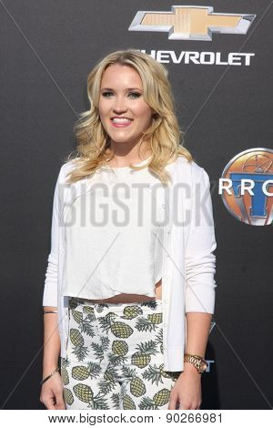 LOS ANGELES - MAY 9:  Emily Osment at the