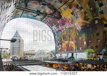 Rotterdam, Netherlands - May 9, 2015: People At Retail Shop In Markthal (market Hall) In Rotterdam.