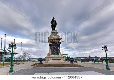 Samuel Champlain Statue - Quebec