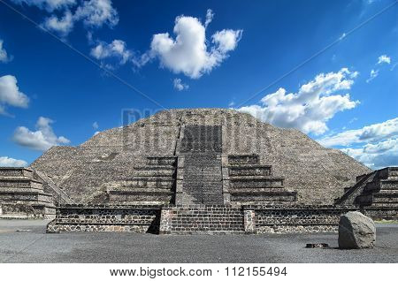Amazing Pyramid Of The Moon At Teotihuacan