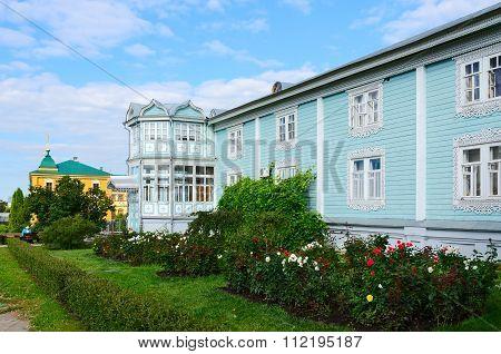 Igumen Housing, Holy Trinity Seraphim-diveevo Monastery, Diveevo, Russia