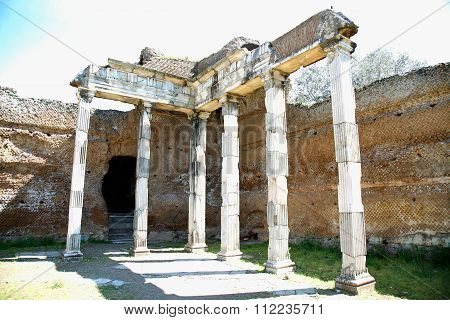 Ancient Ruins Of Villa Adriana ( The Hadrian's Villa ), Building With Doric Pillars, ( Pilastri Dori