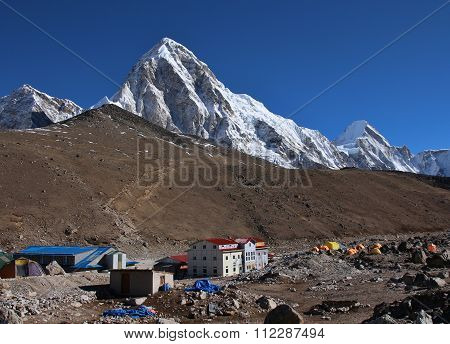 View Of Kala Patthar, Travel Destination In The Everest National Park