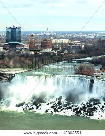 Niagara Falls; Ontario