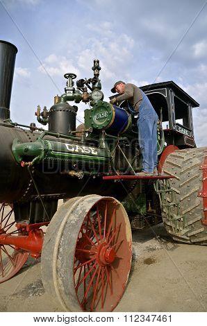 Servicing a steam engine
